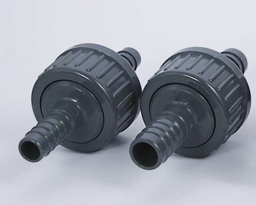 One-way valve with rubber membrane